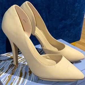 NUDE POINT TOE PUMPS SIZE 8